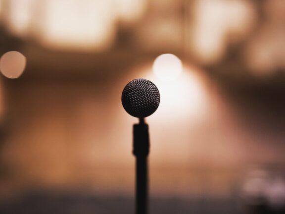 Como superar o medo do palco